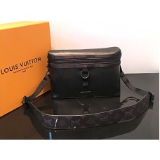 Louis Vuitton Infinity Leather Discovery Messenger Pm m52176